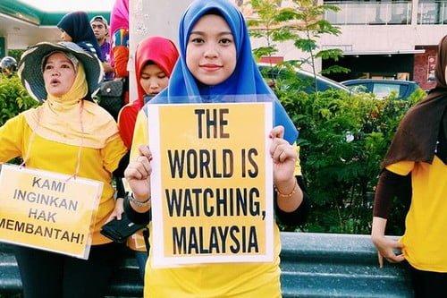 Malezja zakazana żółta odzież