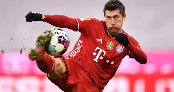 Lewandowski goni rekord Gerda Muellera, kolejny krok zrobiony