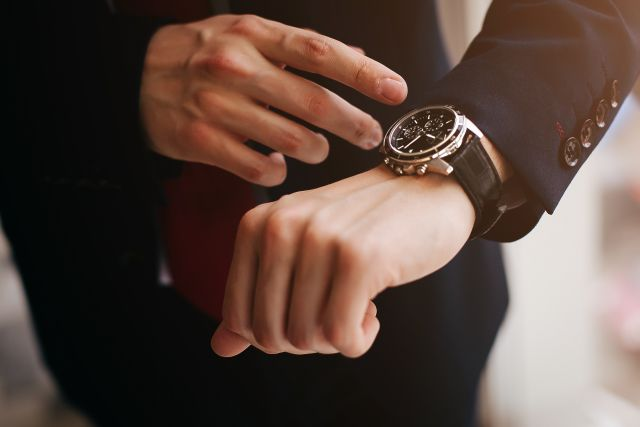 4 Powody dlaczego warto nosić zegarek.
