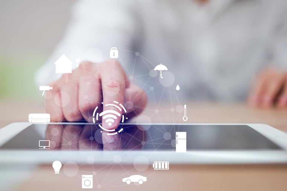 Jak smartfony oparte na sztucznej inteligencji zmienią dom przyszłości